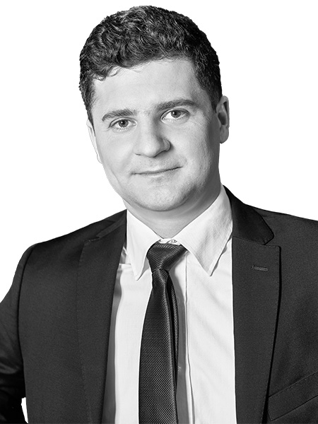 Adam Kiernicki,Senior Director, Retail Investment
